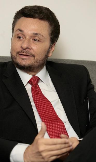 Manoel Vitório diz que Brasília não avalia rotina dos trabalhadores - Foto: Mila Cordeiro l Ag. A TARDE l 21.1.2015