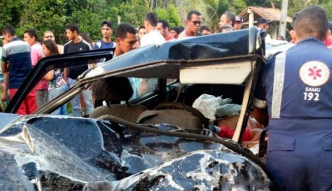 Veículo ficou totalmente destruído após a batida - Foto: Reprodução | Site Radar 64