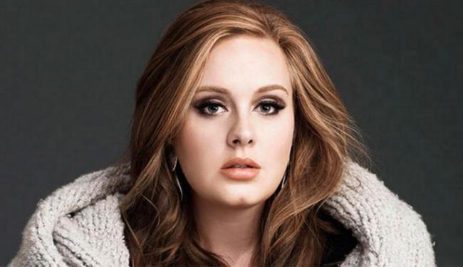 Não há previsão para Adele cumprir promessa, pois a agenda dela está lotada em 2016 - Foto: Divulgação