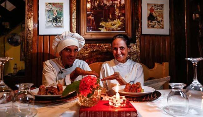 Casal Ramon Simões e Gabriela Dantas investe na gastronomia sensorial do restaurante - Foto: Lucas Melo   Ag. A TARDE