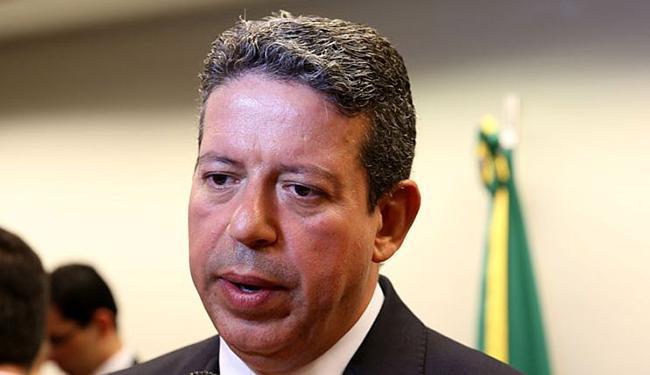 Arthur Lira, relator de consulta na CCJ, dá parecer que pode salvar Cunha da cassação - Foto: Wilson dias l Agência Brasil