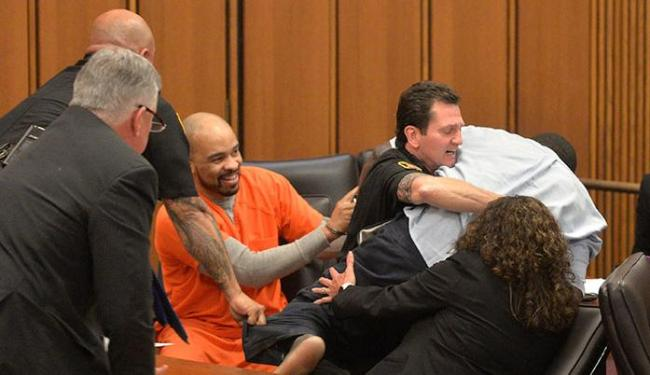 Michael Madison, acusado de matar três mulheres, foi condenado à morte - Foto: David Richard   AP