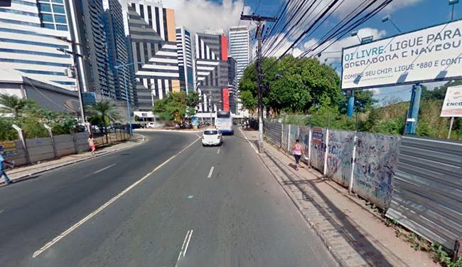 Acidente aconteceu na avenida Professor Manoel Ribeiro - Foto: Reprodução | Google Street View