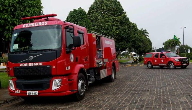 Resultado de imagem para fotos de viaturas do corpo de bombeiros de salvador