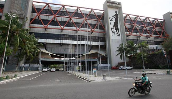 O fechamento do Centro de Convenções prejudica o turismo baiano, afirma a Abih-BA - Foto: Raul Spinassé l Ag. A TARDE