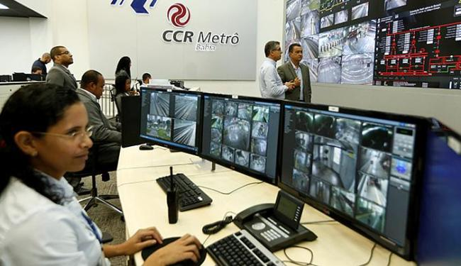 Luís Valença, diretor-presidente da CCR, apresentou o novo centro ao governador Rui Costa - Foto: Lucas Melo l Ag. A TARDE