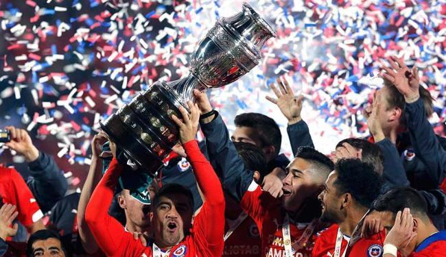 O Chile foi o campeão do torneio em 2015, após vencer a Argentina nos pênaltis - Foto: Ag. Reuters