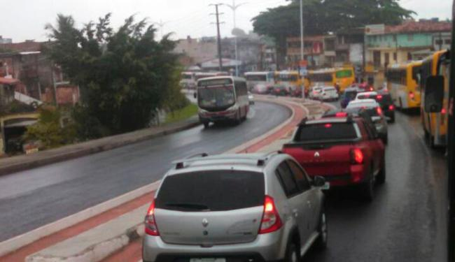 Chuva causa engarrafamento na avenida Suburbana - Foto: Reprodução: Whatsapp