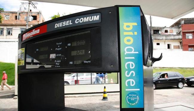Em países do Mercosul e da Europa há carros leves movidos a diesel - Foto: Manuela Cavadas | Ag. A TARDE | Arquivo