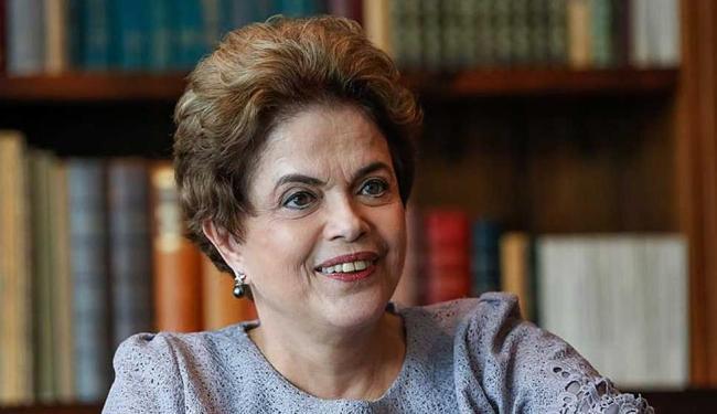 Presidente afastada só pode usar os veículos para viagens entre Brasília e Porto Alegre - Foto: Reprodução   Facebook