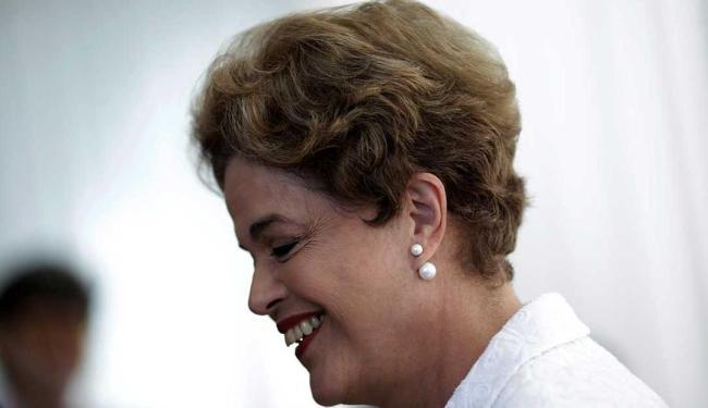O documento isenta a presidente da atuação nas pedaladas fiscais - Foto: Ueslei Marcelino | Reuters