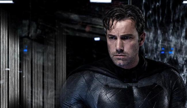Affleck ainda está terminando o roteiro do novo filme do homem-morcego - Foto: Divulgação