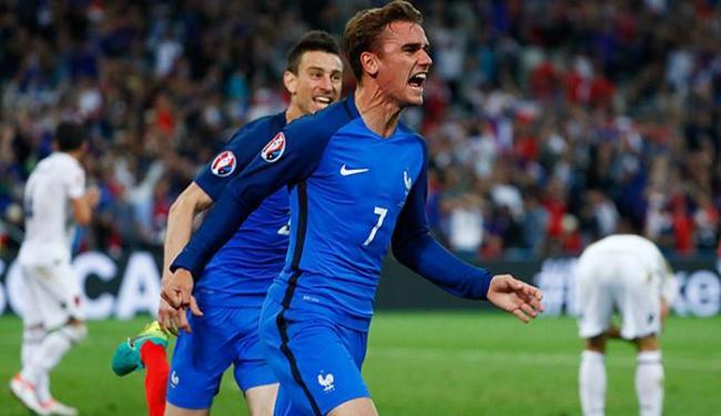Griezmann celebra após marcar o gol que abriu o caminho do triunfo da França - Foto: Eddie Keogh Livepic l Reuters