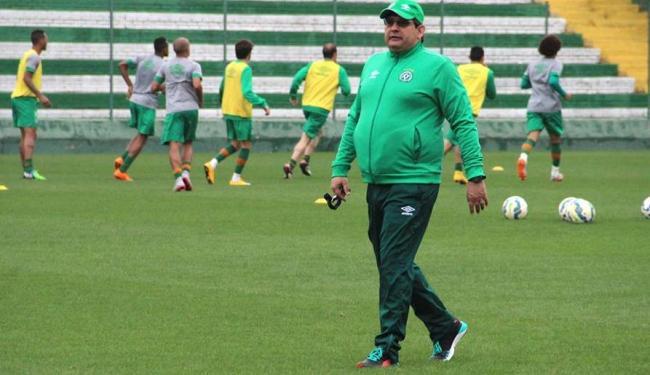 Com trabalho elogiado, Guto Ferreira já está no comando da Chapecoense há 10 meses - Foto: Chapecoense | Divulgação