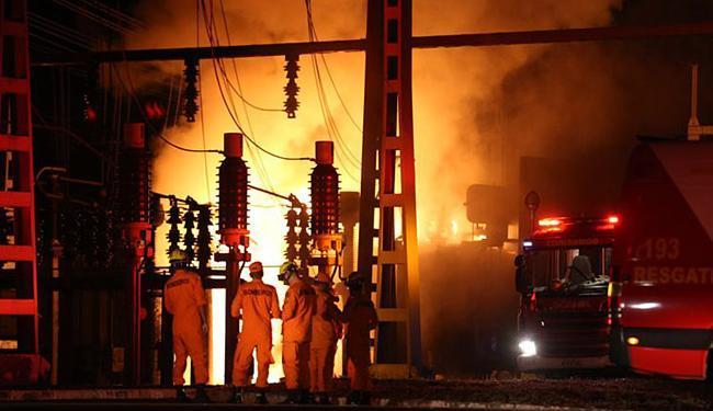 Incêndio ocorreu em um transformador da subestação da CEB - Foto: Fabio Rodrigues Pozzebom l Agência Brasil