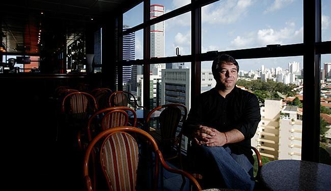 Presidente da Abrasel, Luiz Henrique Amaral avalia que as promoções vão atrair os casais aos bares - Foto: Raul Spinassé | Ag. A TARDE