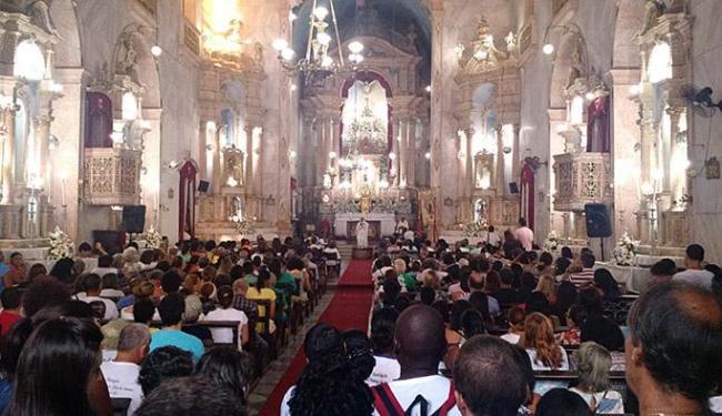 Igreja em homenagem ao santo permaneceu lotada de fiéis durante a celebração - Foto: Itana Alencar l Ag. A TARDE