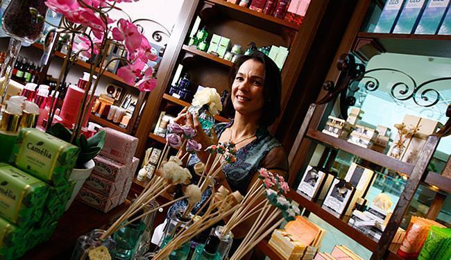 Mônica conta que a primeira loja da Avatim foi aberta em 2009 - Foto: Fernando Vivas l Ag. A TARDE l 6.10.2015