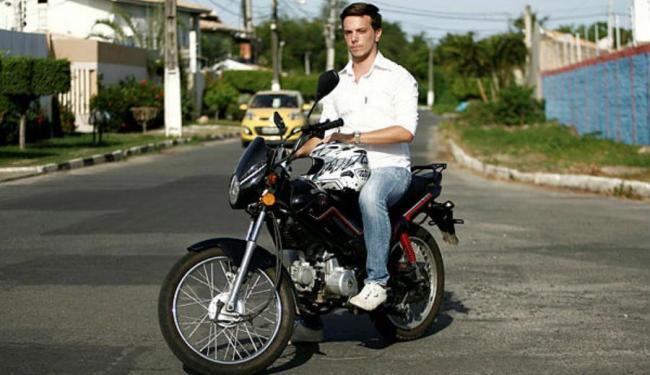 Gianluca Cafagna pilota cinquentinha há 4 meses - Foto: Adilton Venegeroles   Ag. A TARDE