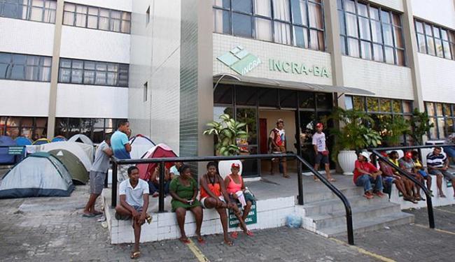O protesto do MST no Incra, no Centro Administrativo da Bahia, chega ao terceiro dia - Foto: Margarida Neide l Ag. A TARDE