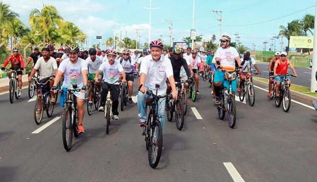 O governador Rui Costa participou do passeio ciclístico que deu início às atividades da nova avenida - Foto: Mateus Pereira | Secom | Divulgação