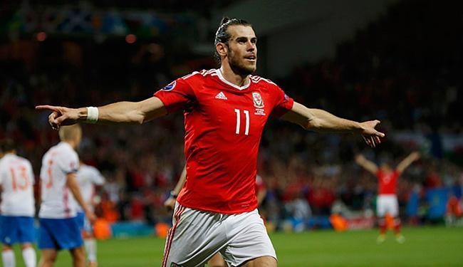 Bale comemora após marcar o terceiro gol do País de Gales - Foto: Sergio Perez l Reuters
