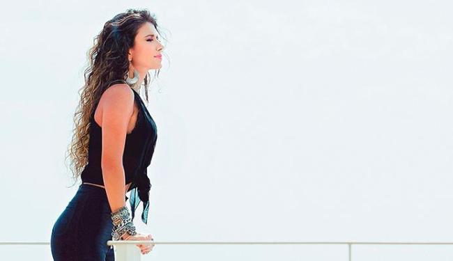 Cantora vai apresentar show gratuitamente no sábado - Foto: Divulgação