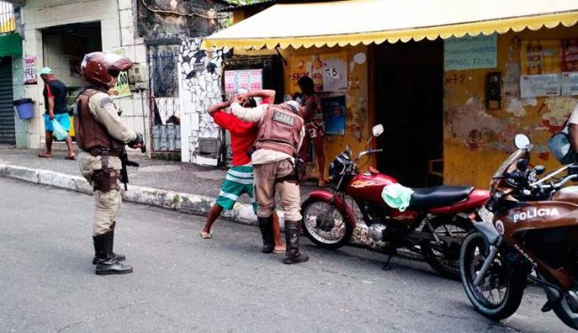 Polícia Militar faz diligências para localizar suspeitos no Pero Vaz - Foto: Reprodução | SSP