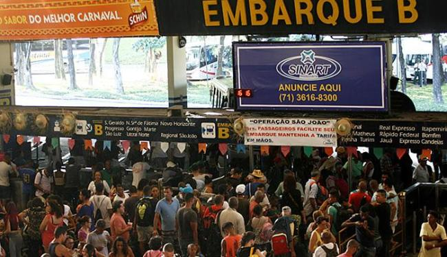 Até o dia 27, são esperados cerca de 175 mil passageiros no terminal rodoviário - Foto: Adilton Venegeroles l Ag. A TARDE