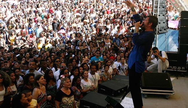 Saulo subiu ao palco do Anfiteatro Dorival Caymmi às 11h e cantou seus sucessos por quase duas horas - Foto: Luiz Tito   Ag. A TARDE