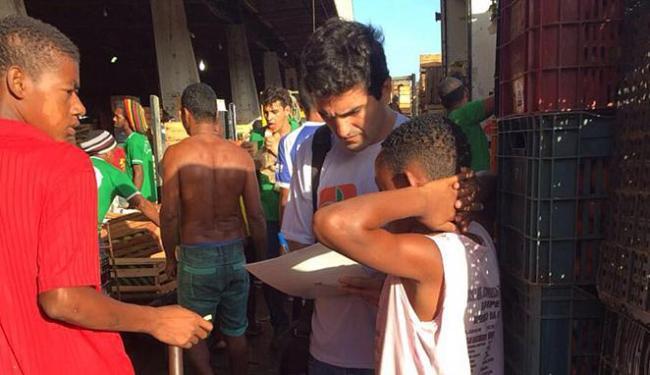 Na Ceasa (CIA), fiscais conversaram com jovens - Foto: Divulgação l SRTE
