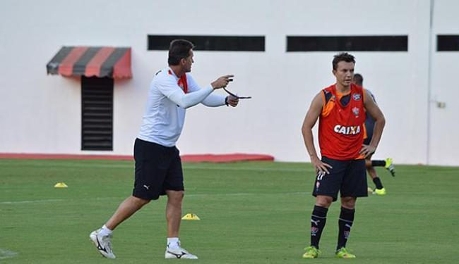 Mancini contará com Dagoberto no comando de ataque do Leão; time luta que ficar longe do z-4 - Foto: Francisco Galvão l EC Vitória