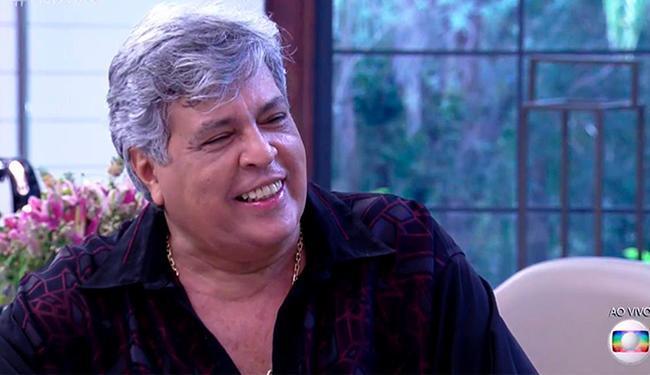 Ídolo dos anos 1980 decidiu adotar o look natural - Foto: Reprodução   TV Globo