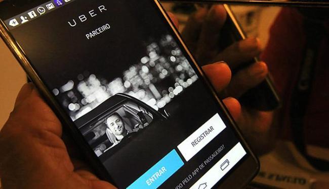 A Lei Municipal 9.066/2016 suspendeu a utilização do Uber em Salvador - Foto: Fernanda Carvalho l Fotospublicas.com