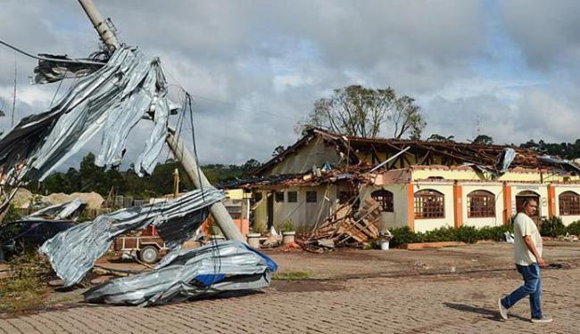 Devastação causada por forte ventania no município de Janiru, interior do estado de São Paulo - Foto: Rovena Rosa l Agência Brasil