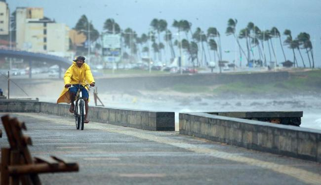 Ventos moderados, com rachadas de 45 km por hora, foram registrados nesta terça - Foto: Raul Spinassé | Ag. A TARDE