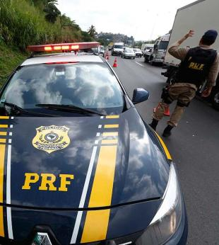 Tiroteio durante assalto a ônibus deixa seis feridos na BR-324, diz polícia - Foto: Lucas Melo | Ag. A TARDE