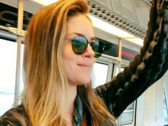 Juliana recebeu a visita do instalador em seu apartamento, em São Paulo - Foto: Reprodução | Facebook