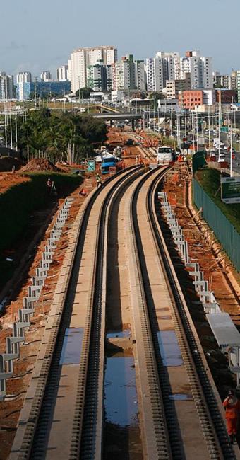 A Av. Paralela (linha 2 do metrô) é uma das áreas que devem ser mais procuradas para novos imóveis - Foto: Mila Cordeiro l Ag. A TARDE