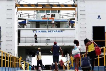 Retorno para Salvador pelo ferry e pelas estradas já é intenso
