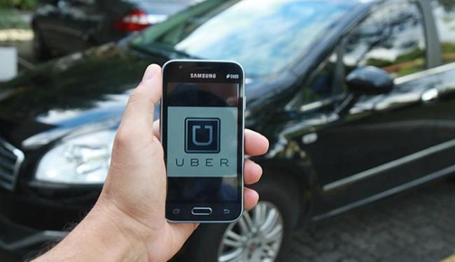 Motoristas baianos dizem ganhar até R$ 6 mil por mês com 60 horas de trabalho por semana - Foto: Joá Souza l Ag. A TARDE