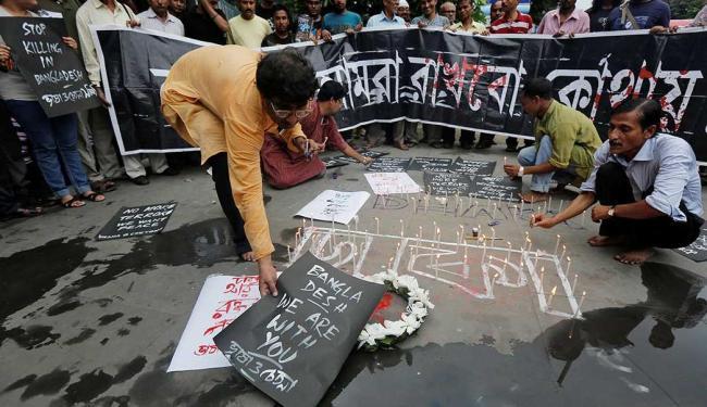 Ataque aconteceu em um restaurante de Daca, capital de Bangladesh - Foto: Rupak De Chowdhuri   Reuters