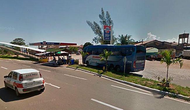 Veículo está estacionado em posto de gasolina na entrada de Barra de Pojuca - Foto: Reprodução | Google Street View