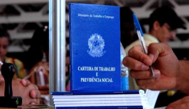 A nova linha tem condições mais favoráveis aos trabalhadores - Foto: Marcello Casal Jr   Ag. Brasil