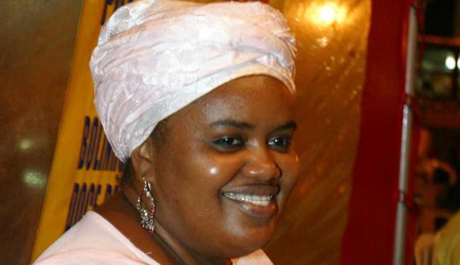 Cláudia assumiu tabuleiro após falecimento da mãe em 2008 - Foto: Elói Corrêa | Ag. A TARDE | Arquivo