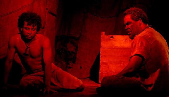 Os atores Bira Freitas (D) e Psit Mota em cena da peça - Foto: Marcelo Lyra | Divulgação