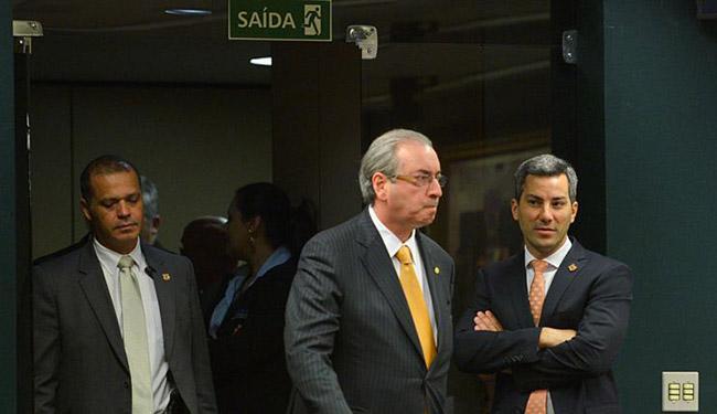 O deputado Eduardo Cunha (C) durante reunião da CCJ da Câmara - Foto: José Cruz l Agência Brasil