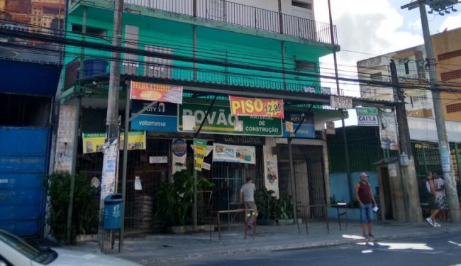 Em Salvador, operação da PF ocorreu em uma loja de construção na rua Thomás Gonzaga, em Pernambués - Foto: Edilson Lima | Ag. A TARDE