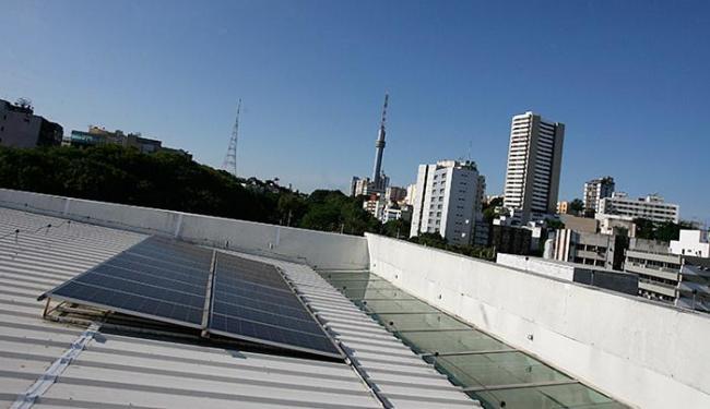 Linha FNE Sol financiará projetos de micro e minigeração distribuída de energia - Foto: Mila Cordeiro l Ag. A TARDE l12.11.2015