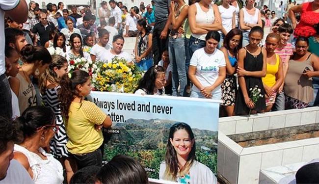 Enterro da professora foi na terça-feira - Foto: Raimundo Mascarenhas | Calila Notícias